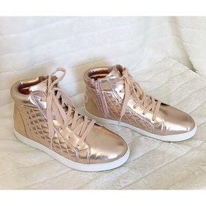 STEVE MADDEN JINDY Sz 5 Rose Gold Sneakers